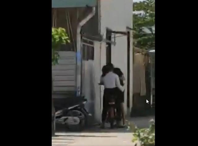 Full 2 clip đôi nam nữ 'xoắn quẩy' nhau trong Karaoke 2 phứt 4′ CĐM quay lại rồi phát tán