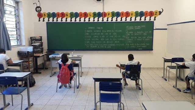 Sindicato aciona MPT para suspender aulas presenciais após alta infecção de professores