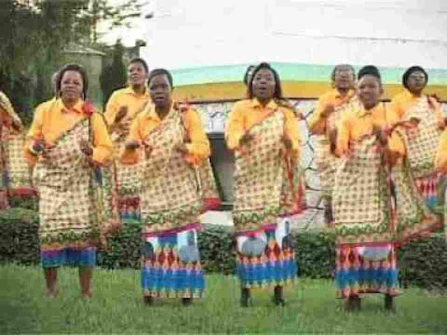 Nchi imejaa fadhili za bwana ~ Kwaya Ya Mt.Antony wa Padua [DOWNLOAD AUDIO MP3]