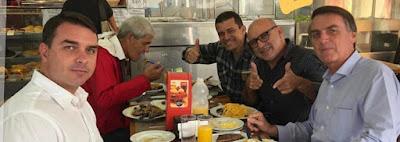 Flávio, Jair Bolsonaro e Queiroz