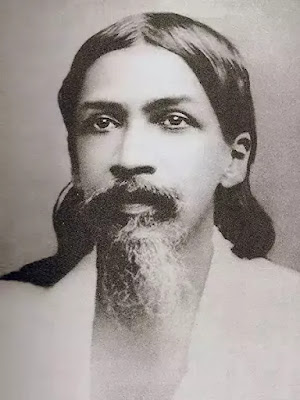 Sri Aurobindo Ghose's poetry is meant to Bridge the present and the future