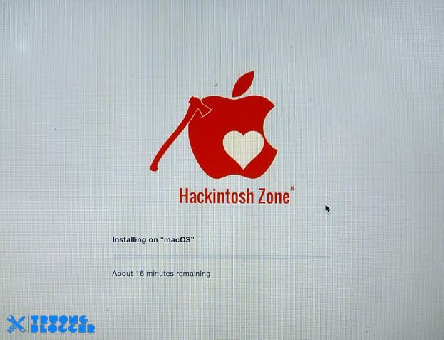Quá trình cài macOS đang diễn ra