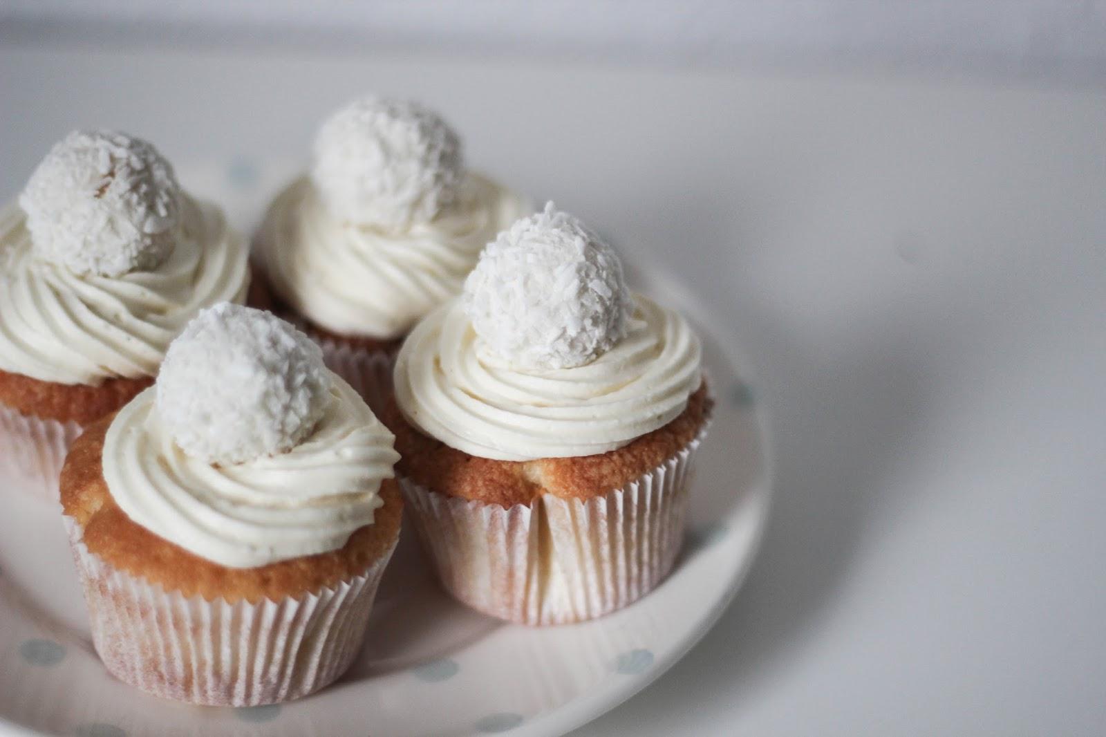 Rezept: Raffaelo Cupcakes http://www.lootieloosplasticworld.de