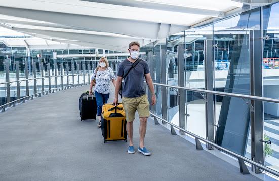 Voyageurs à l'aéroport international Pearson de Toronto