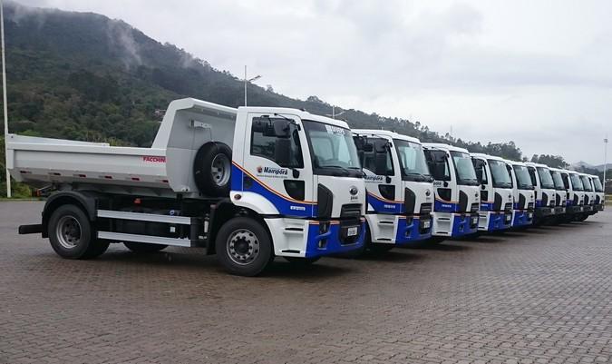 Ford fornece caminhões basculantes para a Prefeitura de Mairiporã