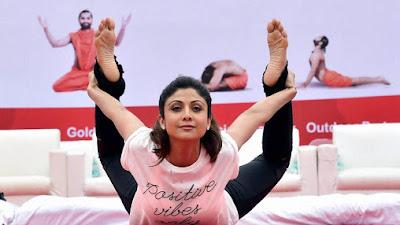 शिल्पा शेट्टी योगा फेस्टिवल में शामिल होने दुबई जा रही हैं। शिल्पा शेट्टी योगा फेस्टिवल में पॉवर योगा का प्रदर्शन करेंगी
