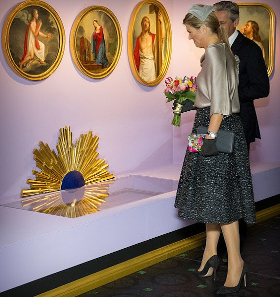 Dutch Queen Maxima wore Natan skirt, Gianvito Rossi suade pumps, new Natan dress, style, fashions