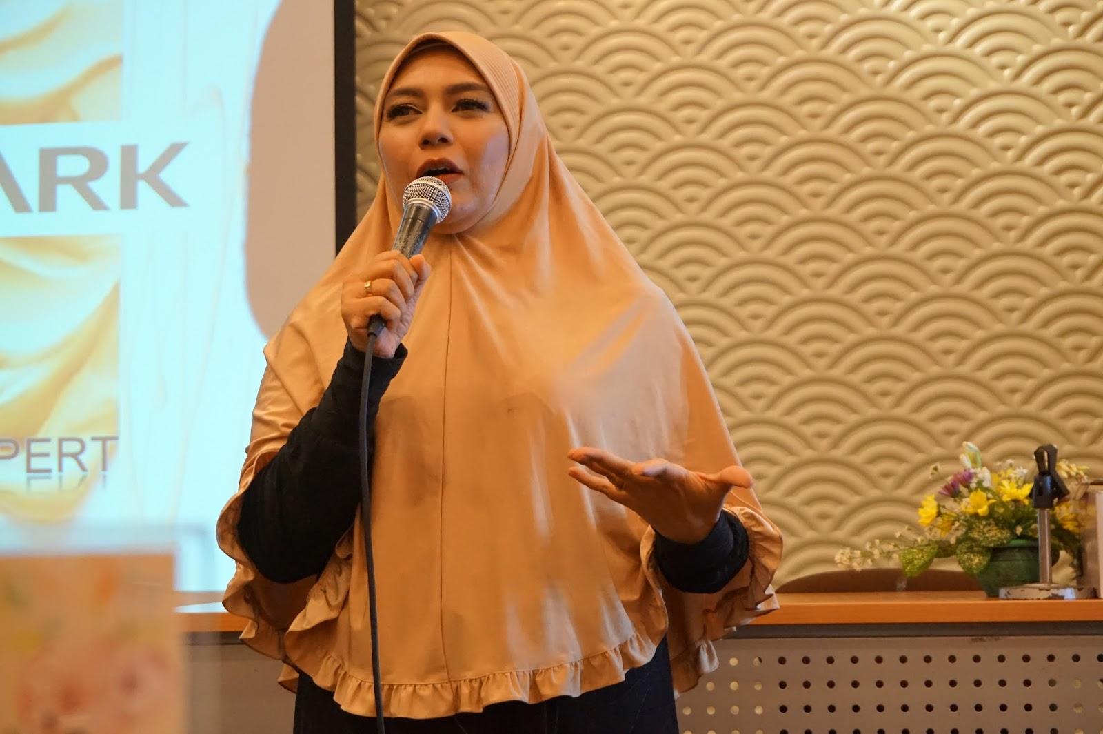 WORKSHOP FOTOGRAFI INDONESIAN FEMALE BLOGGERS DAN COVERMARK