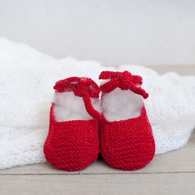 Merceditas para bebé tejidas a mano
