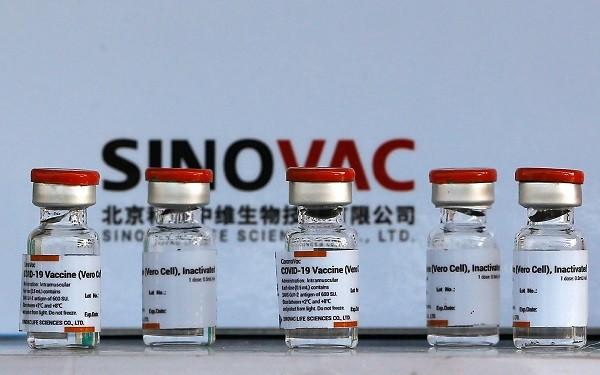 một y tá Indonesia đã tử vong sau 9 ngày tiêm vắc-xin Sinovac của Trung Quốc