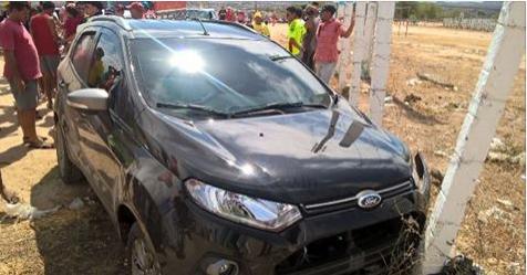 Motorista flagra assalto, persegue assaltantes e os derruba de moto em Dois Riachos