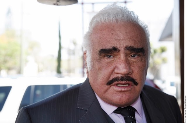 Vicente Fernández muy grave en terapia intensiva.