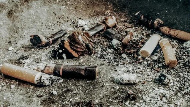 Sampah puntung rokok membutuhkan waktu 10 tahun untuk terurai