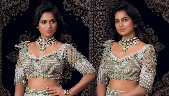 Actress Ramya Pandian In Lehenga HD Photos ✔️