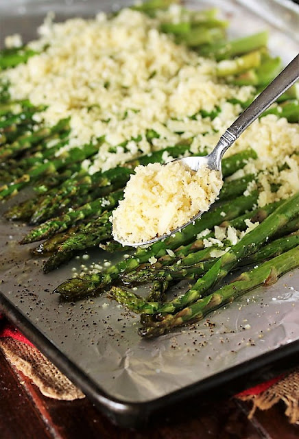 How to Make Roasted Asparagus with Crunchy Parmesan Topping Image