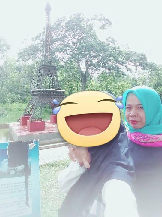 Eka Seorang Gadis Agama Islam Suku Melayu Profesi Pegawai Swasta Di Palembang Provinsi Sumatera Selatan Mencari Jodoh Pasangan Pria Untuk Jadi Calon Suami