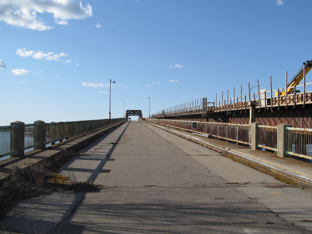 Starting to walk up the bridge from the Newington shore of the Great Bay.