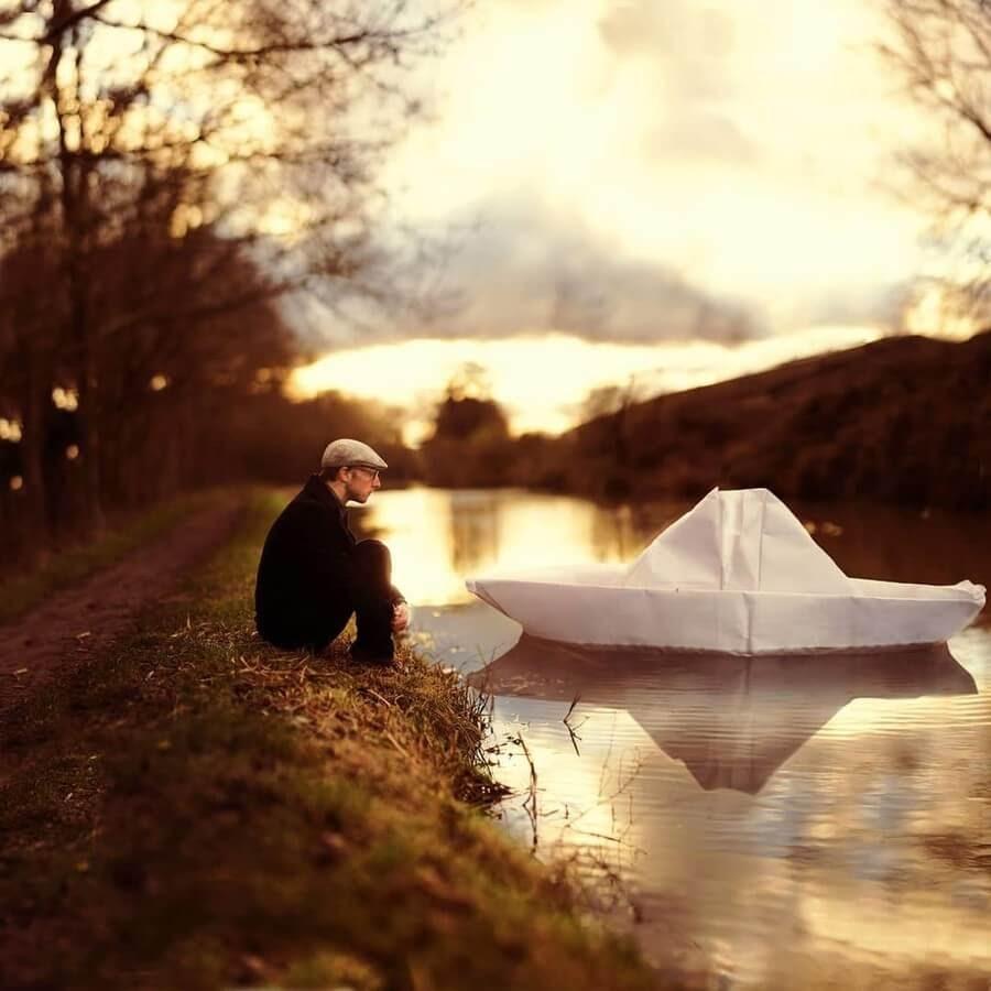 07-Paper-Boat-Digital-Art-Joel-Robison-www-designstack-co