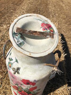 decorar una lechera con decoupage