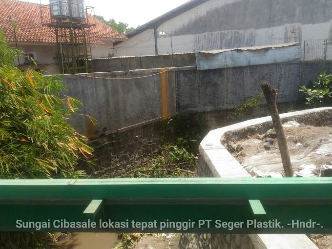 Diduga Limbah Air PT Seger Plastik Dibuang Ke Sungai Dan Mengakibatkan Pencemaran