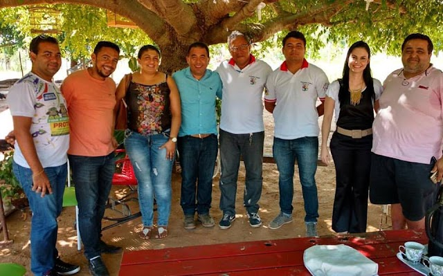 Em Mauriti Prefeito Evanildo Simão anuncia 25% de gratificação no salário de Conselheiros Tutelares