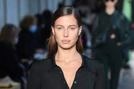 Nicole Poturalski Age, Wiki, Biography, Instagram: 10 Facts On Brad Pitt New Girlfriend 2020