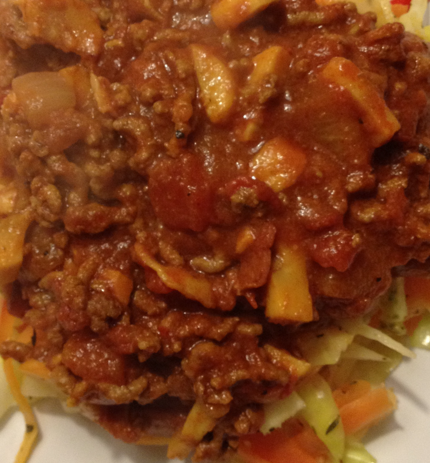 kødsovs med grøntsager