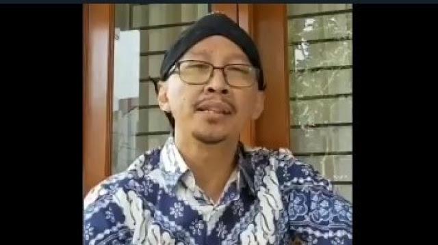 Kemarin Viral Remaja Songong Ngaku Tuhan, Ini Abu Janda Udah Bangkotan Malah Ngaku Cucu Tuhan, Hadeh!