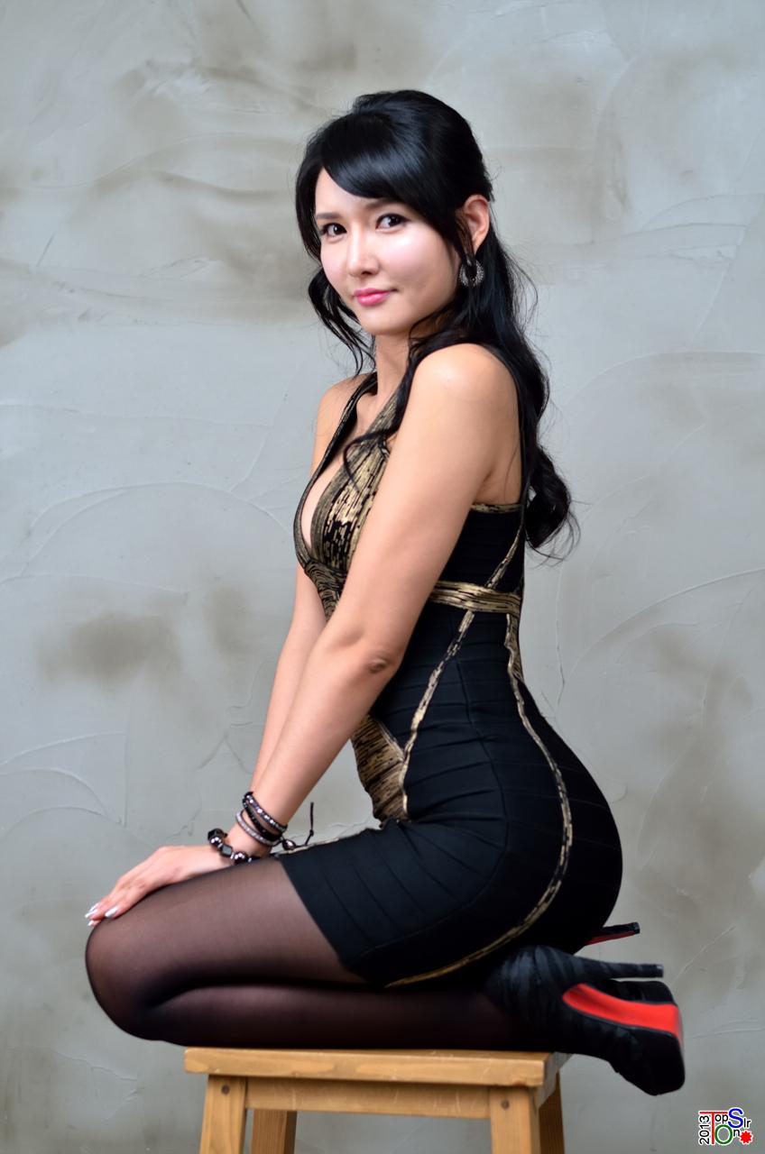 Naked Petite Asian Women