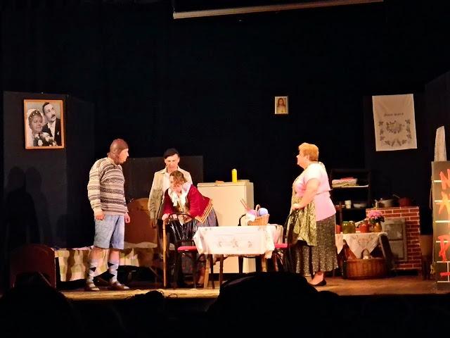 chałupka, scena, występ, deski teatru, dom kultury w Wolsztynie