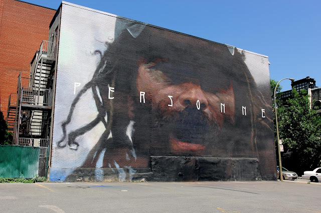 We continue our ongoing live coverage of Mural Festival 2015 with a brand new mural by Axel Void on the streets of Montreal in Canada.