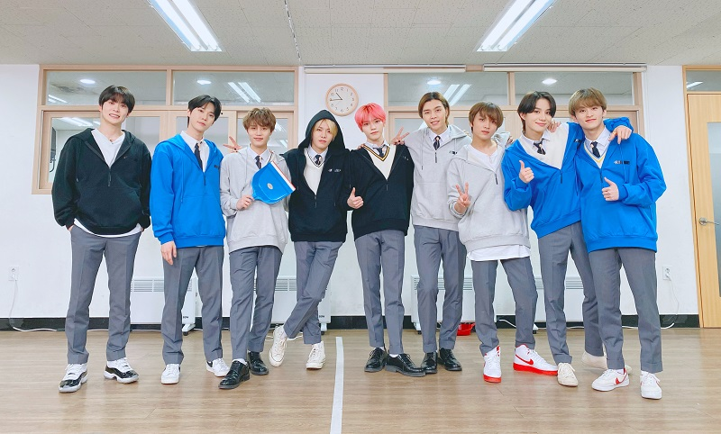 Member NCT 127 : Taeil, Johnny, Taeyong, Yuta, Doyoung, Jaehyun, Jungwoo, Mark, Haechan