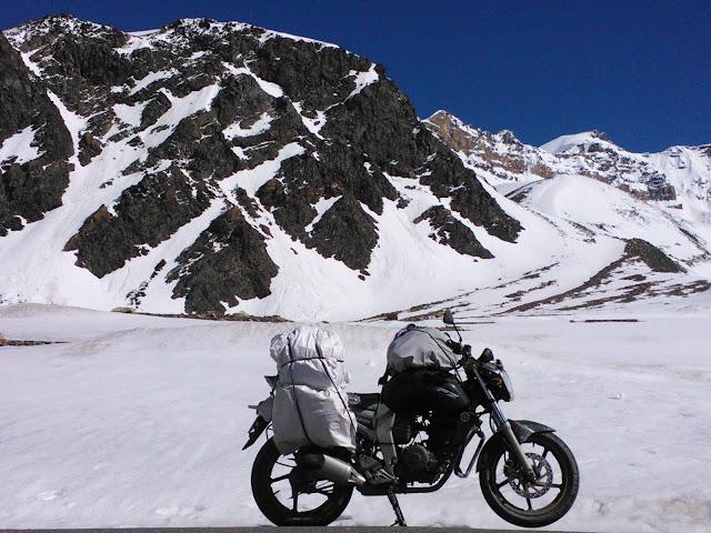 Manali to Leh bike trip