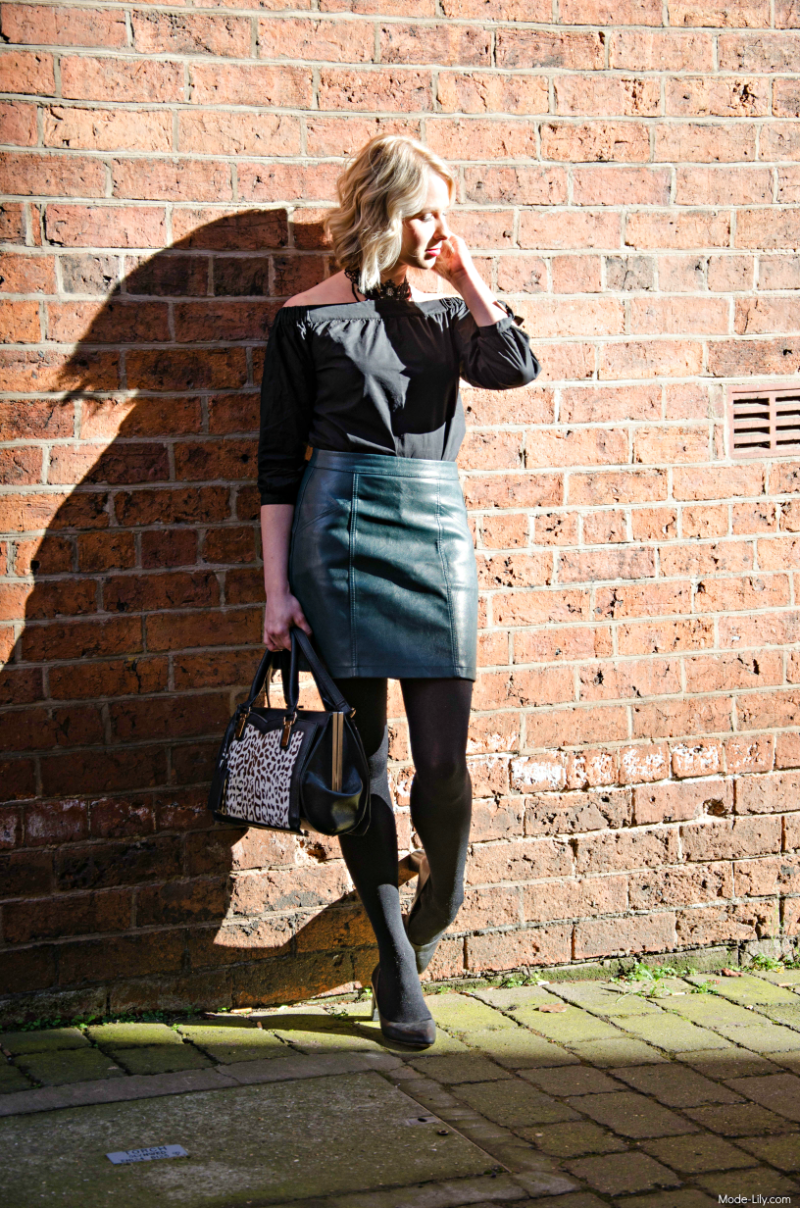 Outfit Post: New Look Choker & Faux Leather Skirt