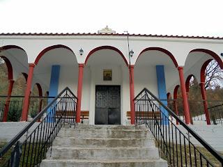 το ξωκλήσι του αγίου Δημητρίου στο δρόμο Σισανίου - Εράτυρας