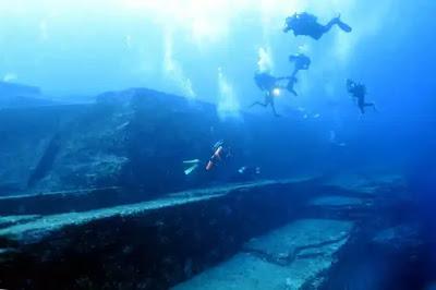 yonaguni divers