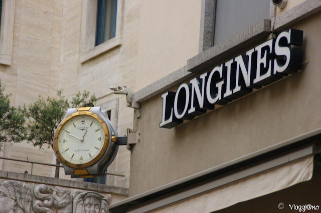 Insegna di una delle orologerie di Lugano