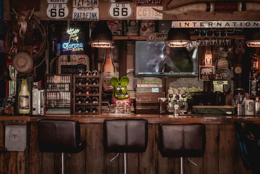 bar-counter-wood