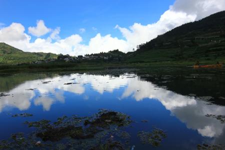 Wisata Telaga Balaikambang di Dieng Jawa Tengah