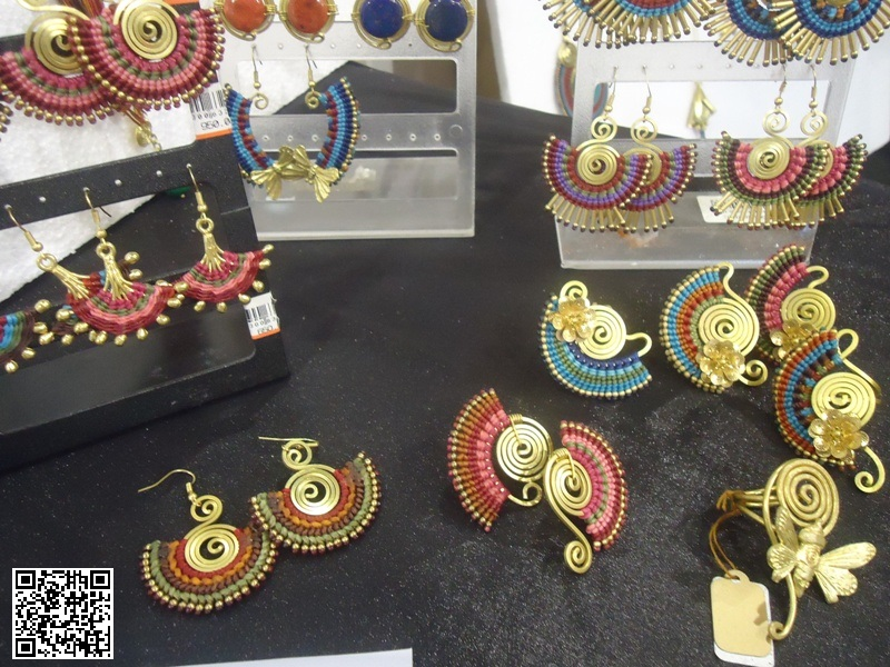Thailand-made fashion accessories and jewelry