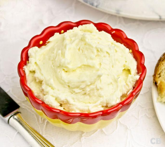 Grand-Marnier-boter voor op je krentenbroodsandwiches