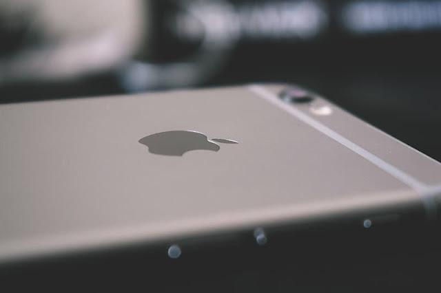 FBI बिना APPLE के फ्लोरिडा आतंकवादी के iPhone को अनलॉक कर सकती है