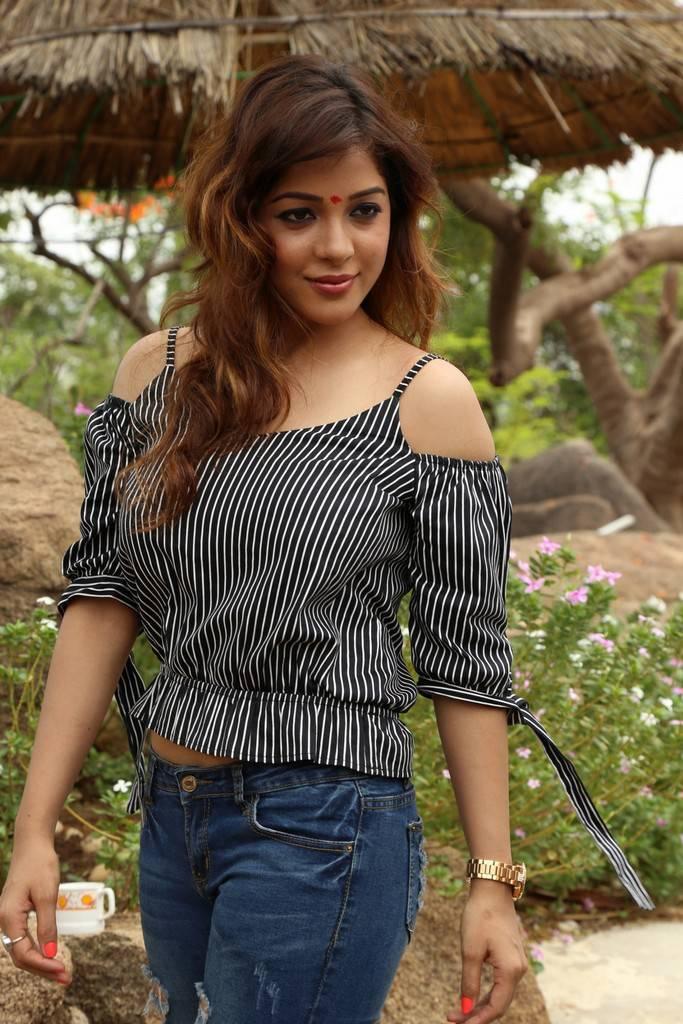 Soniya At 2 Friends Movie Launch Gallery
