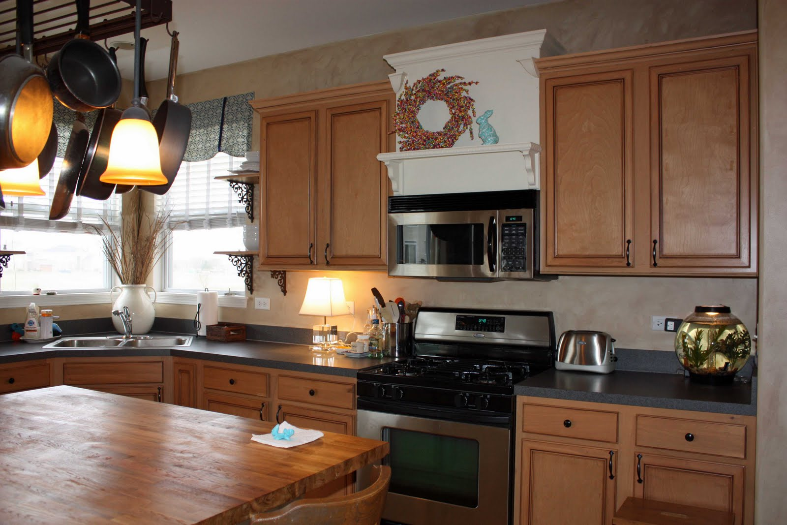 Laminate Kitchen Cabinets With Oak Trim Installing Crown Moulding On Kitchen Cabinets