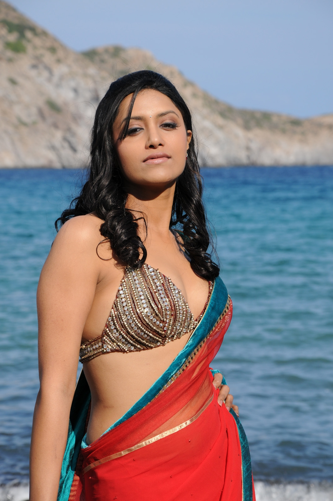 exotic and etnic Mamtha mohandas in saree hq pics