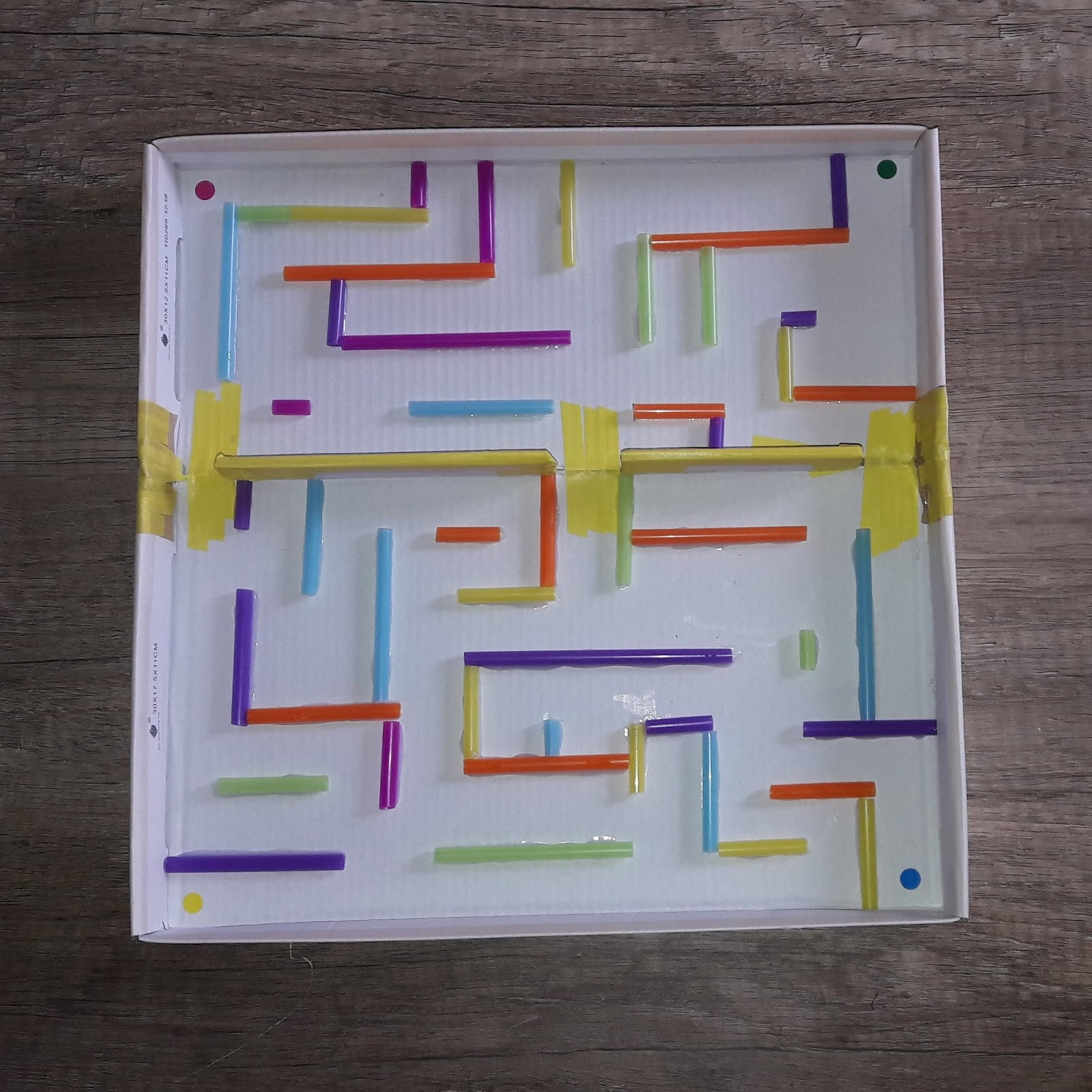 un labyrinthe  u00e0 bille maison