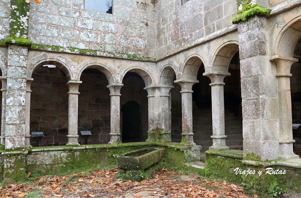 Claustro de Santa Cristina de Ribas de Sil, Ourense