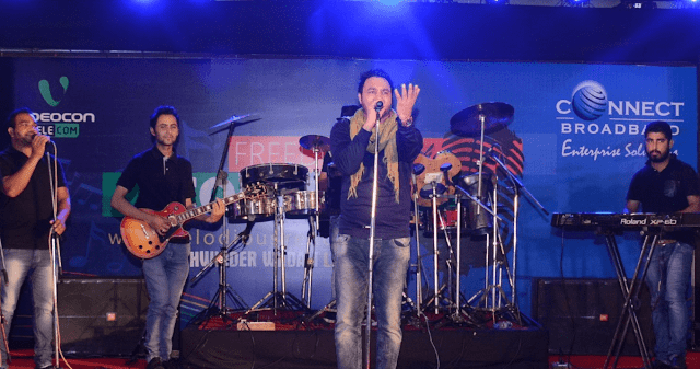 Punjabi Sufi Singer Lakhwinder Wadali performing live.-min