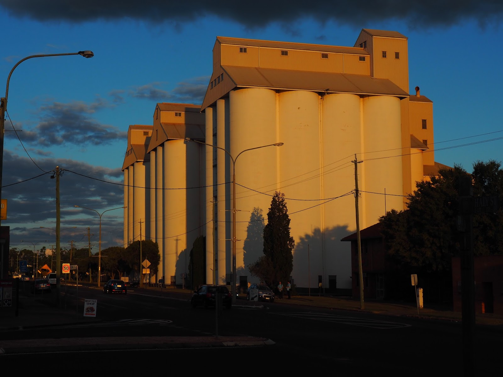 diary of a house sitter and traveller weekend notes work for the peanut silos at kingaroy