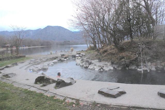 屈斜路湖、和琴半島のワイルドすぎる野湯・混浴露天風呂を巡る【o】